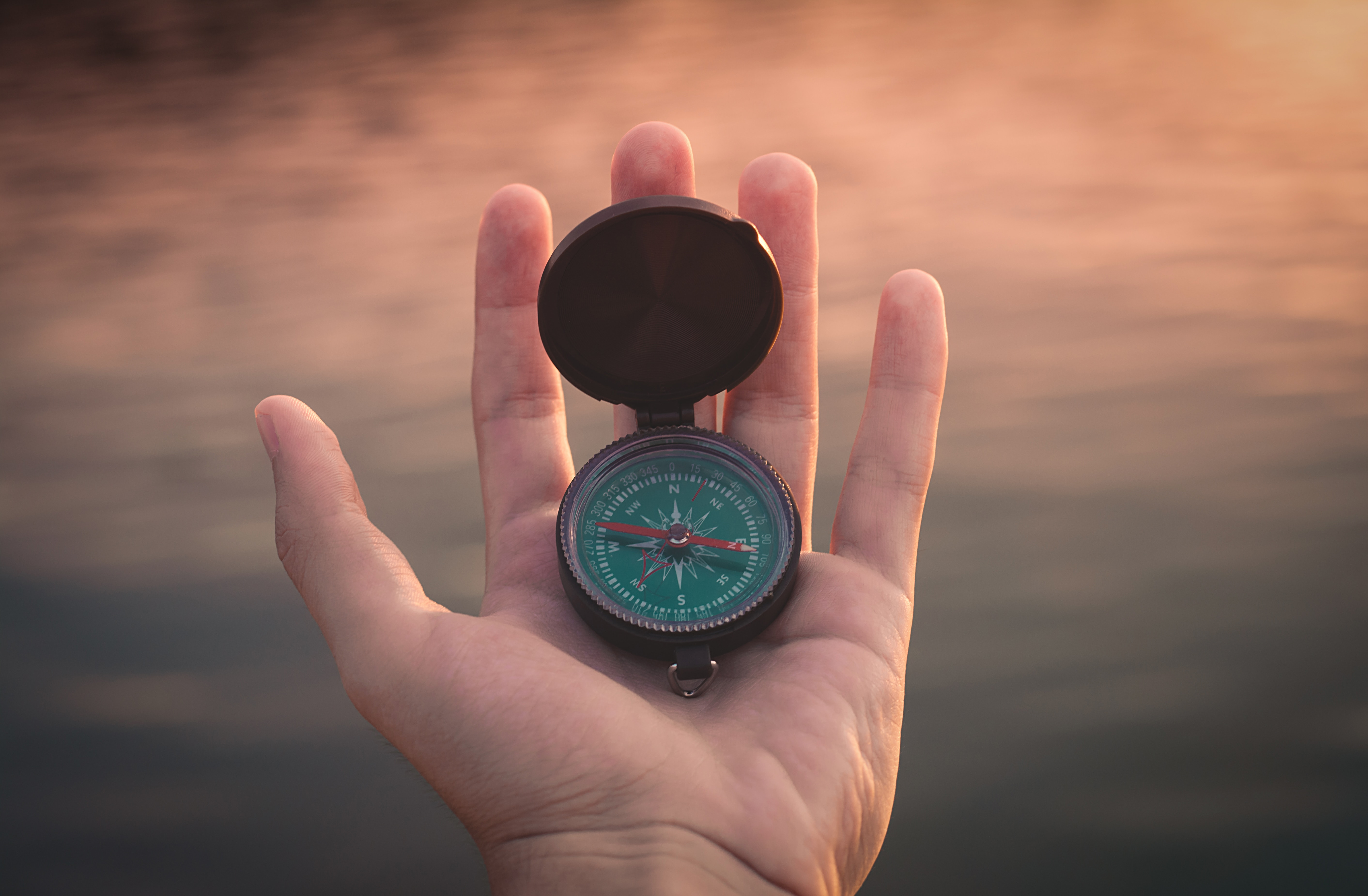 A compass showing the way. Best IT Strategy in 2019